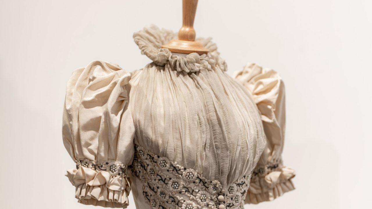 idea design bankfield museum fashion gallery 10