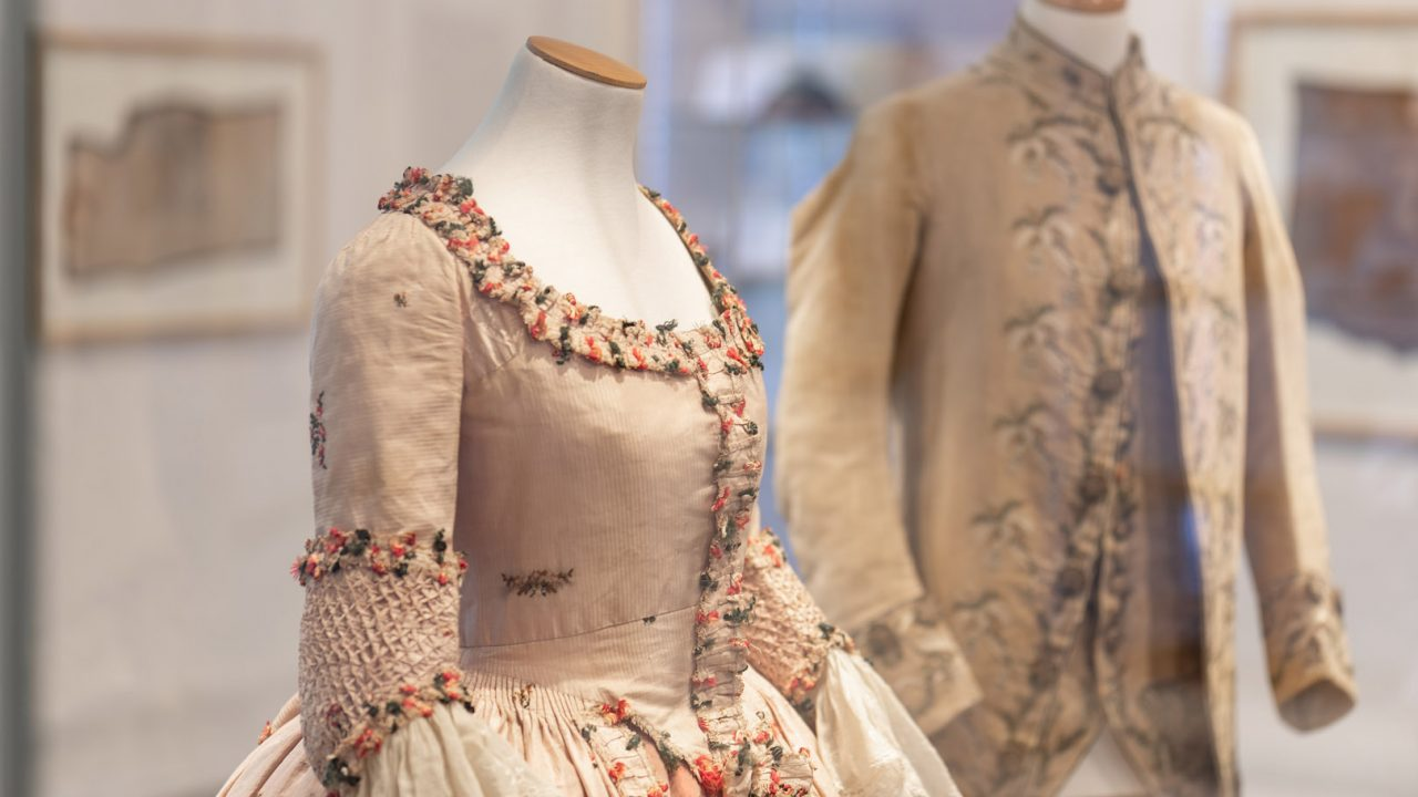 idea design bankfield museum fashion gallery 2