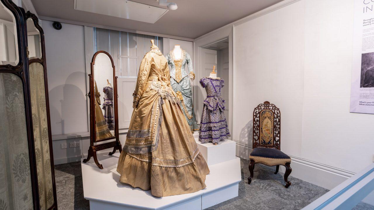 idea design bankfield museum fashion gallery 25