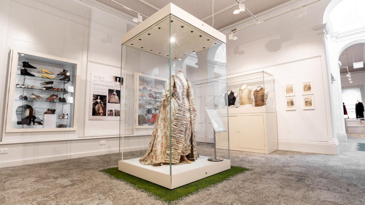 idea design bankfield museum fashion gallery 31